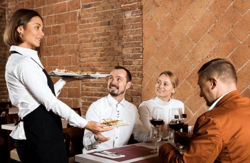Serveur_Restaurant_pénurie